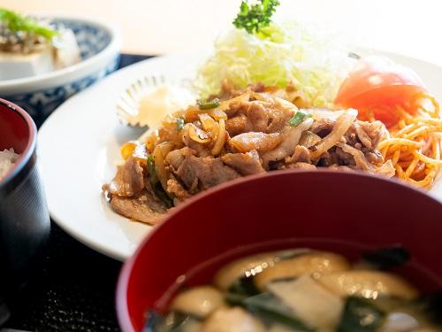 豚生姜焼き定食(東都グリル魚河岸食堂店)