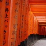 旅行者に人気が高い伏見稲荷大社の千本鳥居も、バーチャルツアーで訪れる